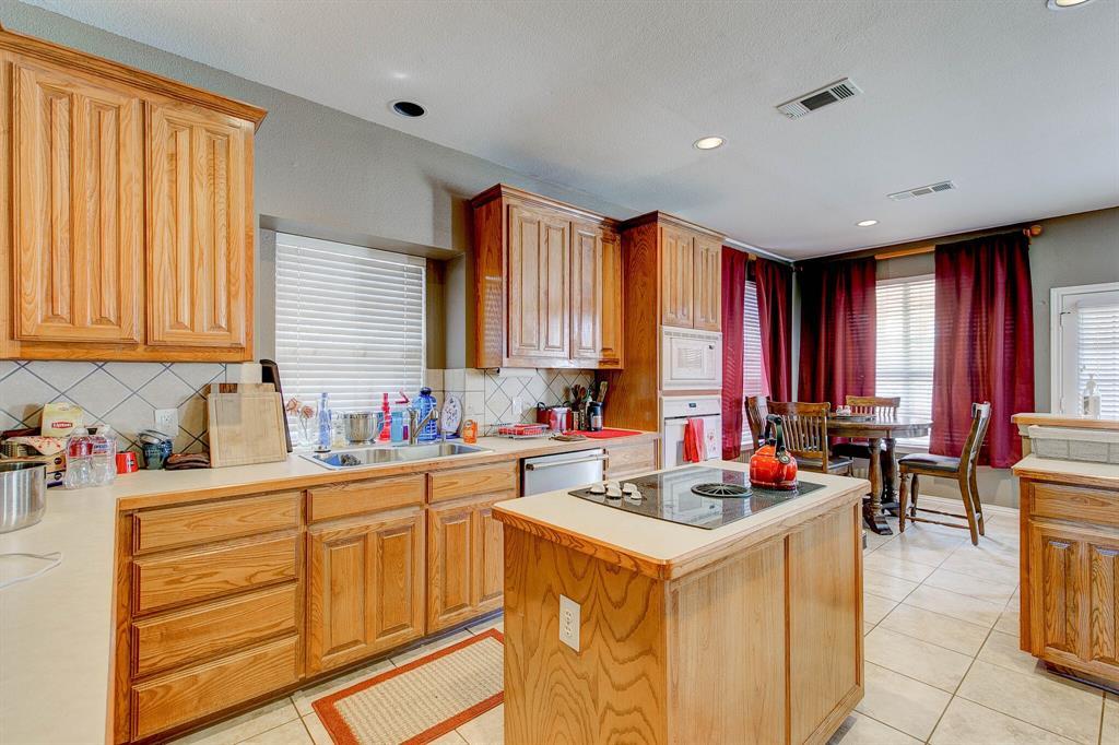 1332 Lyra Lane, Arlington, Texas 76013 - acquisto real estate best investor home specialist mike shepherd relocation expert