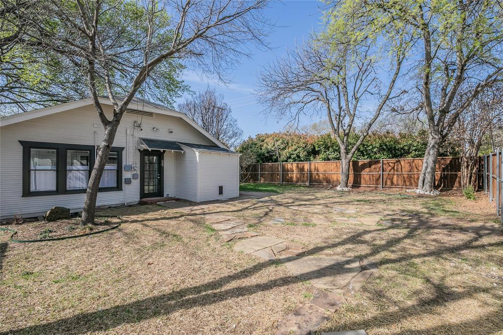 5136 Collinwood Avenue, Fort Worth, Texas 76107 - acquisto real estate best real estate follow up system katy mcgillen