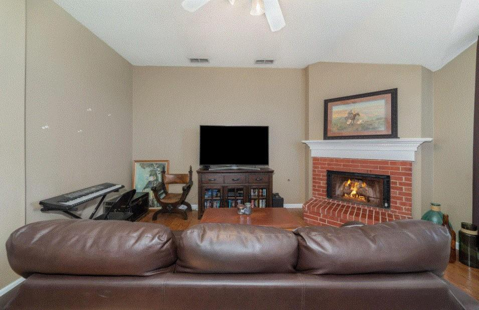 804 Stafford Station Drive, Saginaw, Texas 76131 - acquisto real estate best flower mound realtor jody daley lake highalands agent of the year