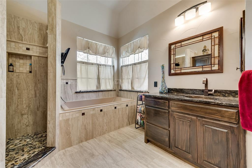 2202 Broadoak Way, Colleyville, Texas 76034 - acquisto real estate best realtor westlake susan cancemi kind realtor of the year