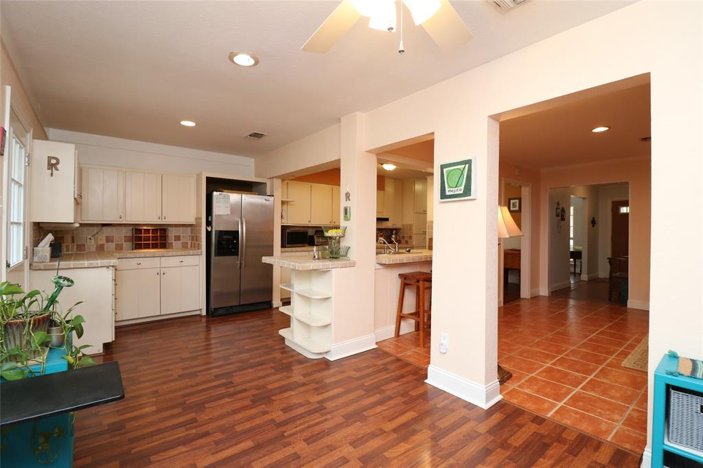 3406 Lynnwood Court, Arlington, Texas 76013 - acquisto real estate best real estate company to work for