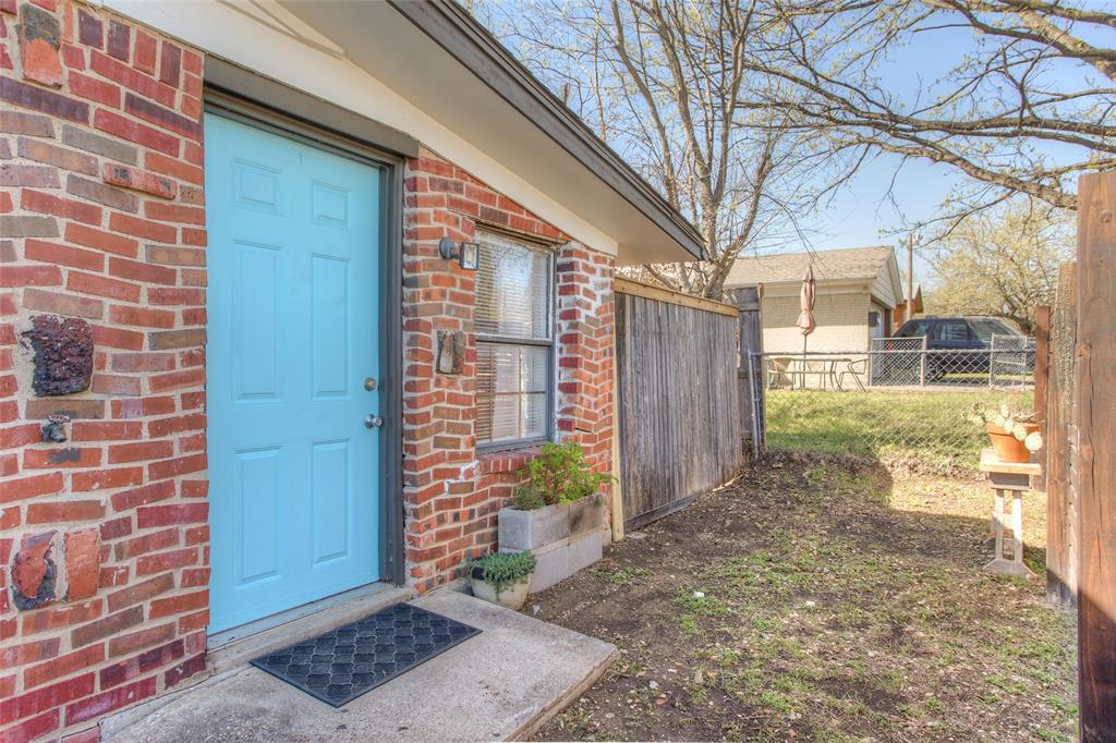 2700 Fuller Avenue, Fort Worth, Texas 76133 - acquisto real estate best park cities realtor kim miller best staging agent