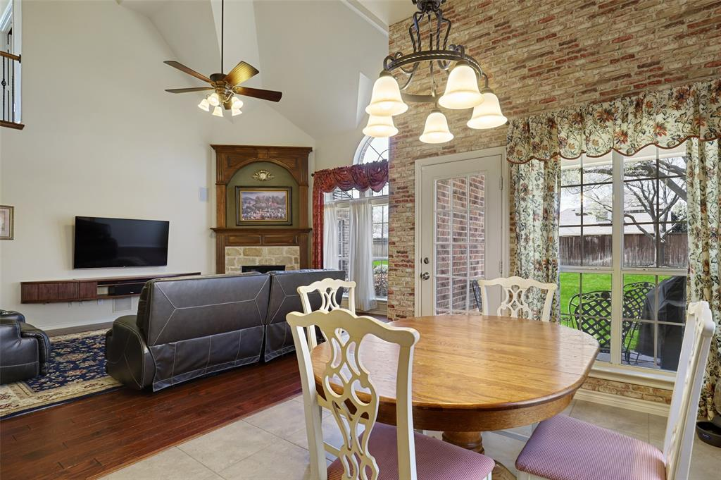 711 Montclaire Drive, Mansfield, Texas 76063 - acquisto real estate best real estate company to work for