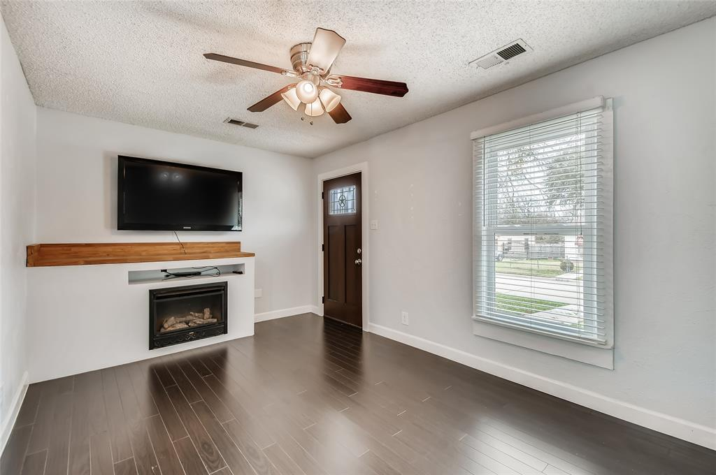 5025 Royal Drive, Fort Worth, Texas 76116 - acquisto real estate best flower mound realtor jody daley lake highalands agent of the year
