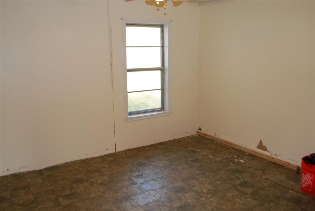 202 McFall Street, Whitesboro, Texas 76273 - acquisto real estate best park cities realtor kim miller best staging agent