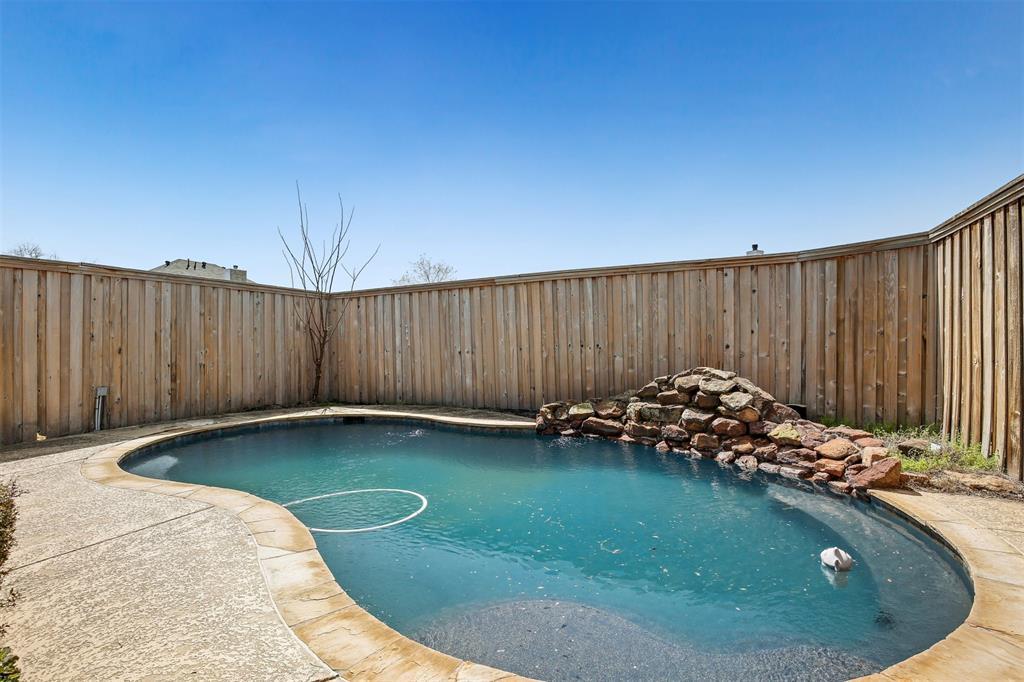 2417 Bent Brook Drive, Mesquite, Texas 75181 - acquisto real estate best park cities realtor kim miller best staging agent