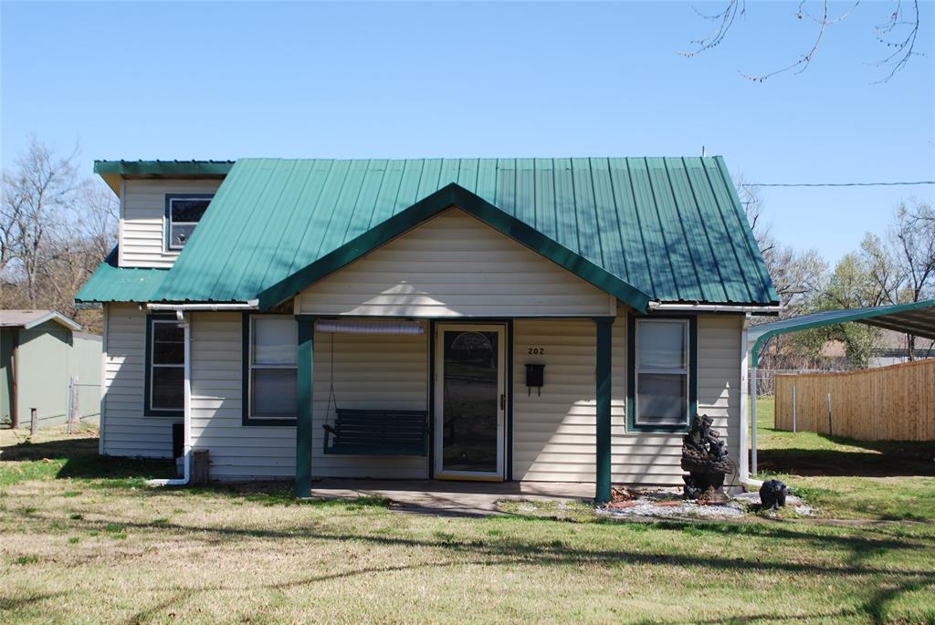 202 McFall Street, Whitesboro, Texas 76273 - Acquisto Real Estate best plano realtor mike Shepherd home owners association expert