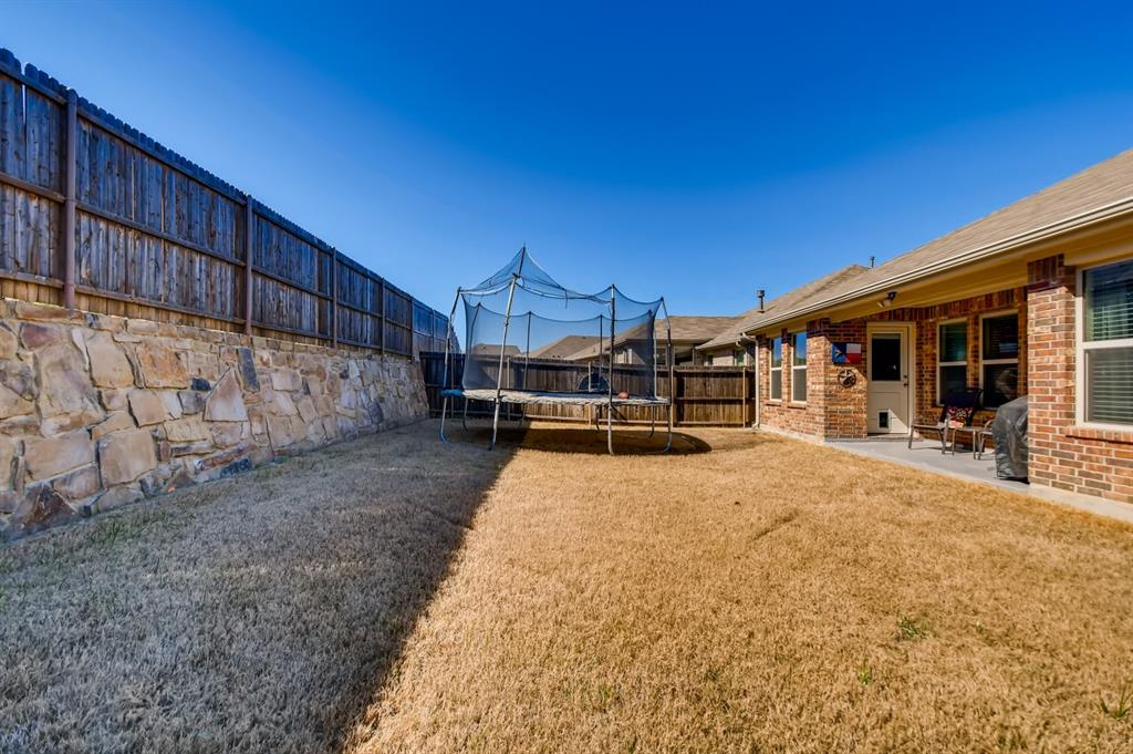 9245 Flying Eagle  Lane, Fort Worth, Texas 76131 - acquisto real estate best real estate idx dilusso marketing mike acquisto