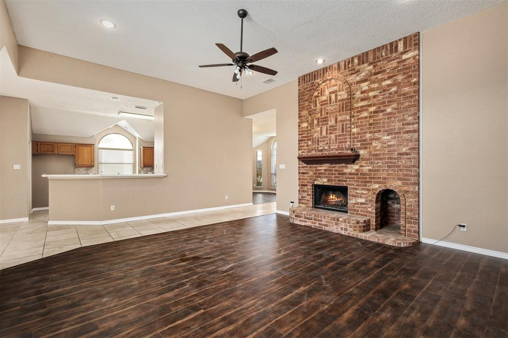 2417 Bent Brook Drive, Mesquite, Texas 75181 - acquisto real estate best real estate company to work for