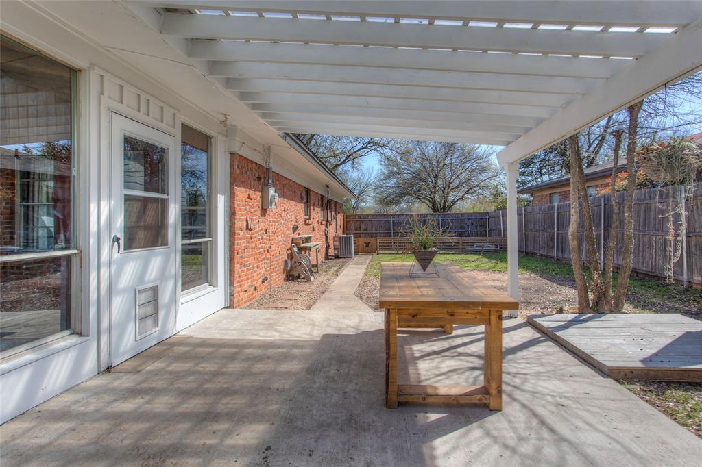 2700 Fuller Avenue, Fort Worth, Texas 76133 - acquisto real estate agent of the year mike shepherd