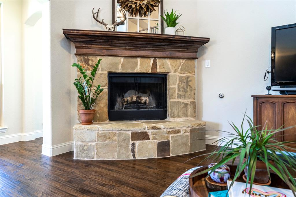 837 Fireside  Drive, Little Elm, Texas 76227 - acquisto real estate best real estate company to work for