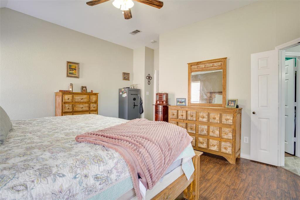 1341 Spinnaker Lane, Azle, Texas 76020 - acquisto real estate best new home sales realtor linda miller executor real estate