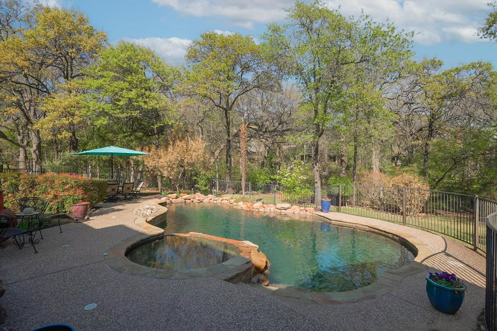 2012 Walden Boulevard, Flower Mound, Texas 75022 - acquisto real estate best realtor dallas texas linda miller agent for cultural buyers