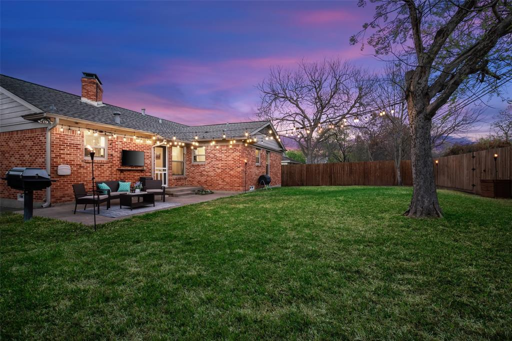 11232 Lanewood Circle, Dallas, Texas 75218 - acquisto real estate best the colony realtor linda miller the bridges real estate