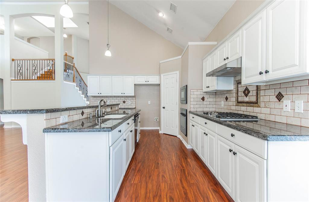 529 Salisbury Drive, Grand Prairie, Texas 75052 - acquisto real estate best listing listing agent in texas shana acquisto rich person realtor