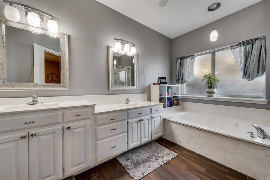 1506 Canterbury Court, Grand Prairie, Texas 75050 - acquisto real estate best frisco real estate broker in texas for high net worth buyers