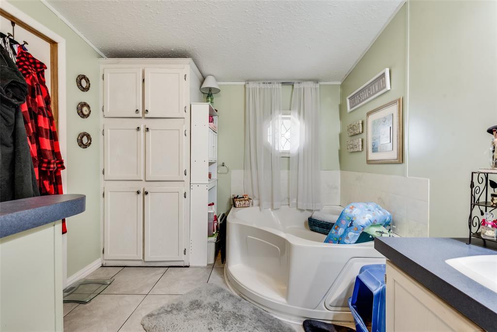 6551 Ridge Court, Terrell, Texas 75160 - acquisto real estate best realtor foreclosure real estate mike shepeherd walnut grove realtor