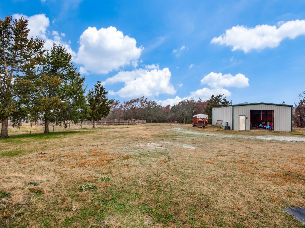 1690 Davy Lane, Denison, Texas 75020 - acquisto real estate best realtor dallas texas linda miller agent for cultural buyers