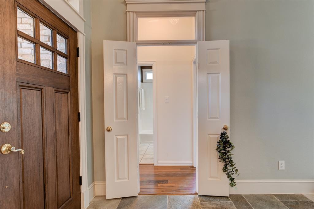 4700 Village Oak Drive, Arlington, Texas 76017 - acquisto real estate best plano real estate agent mike shepherd