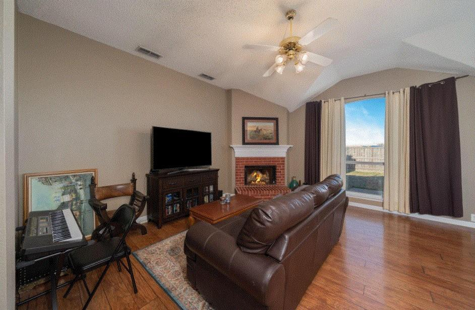 804 Stafford Station Drive, Saginaw, Texas 76131 - acquisto real estate best prosper realtor susan cancemi windfarms realtor