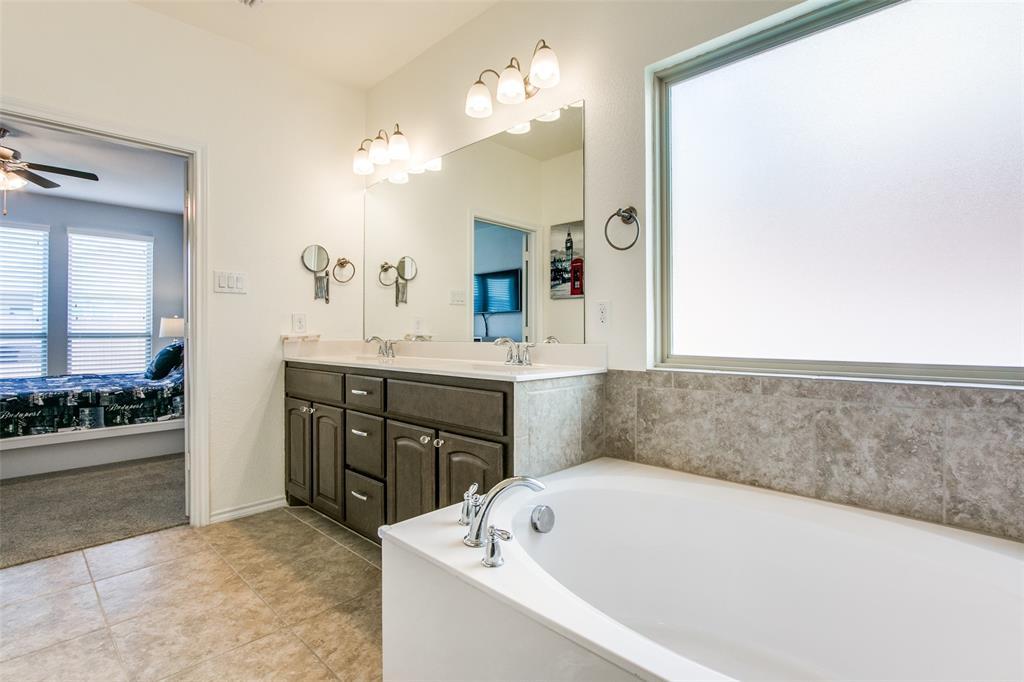 2744 Albatross Lane, Fort Worth, Texas 76177 - acquisto real estate best park cities realtor kim miller best staging agent