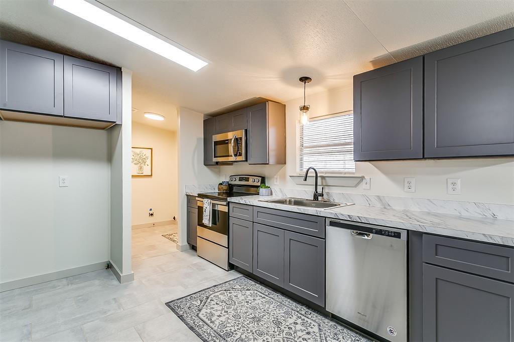5925 Wild Berry  Trail, Joshua, Texas 76058 - acquisto real estate best listing agent in the nation shana acquisto estate realtor
