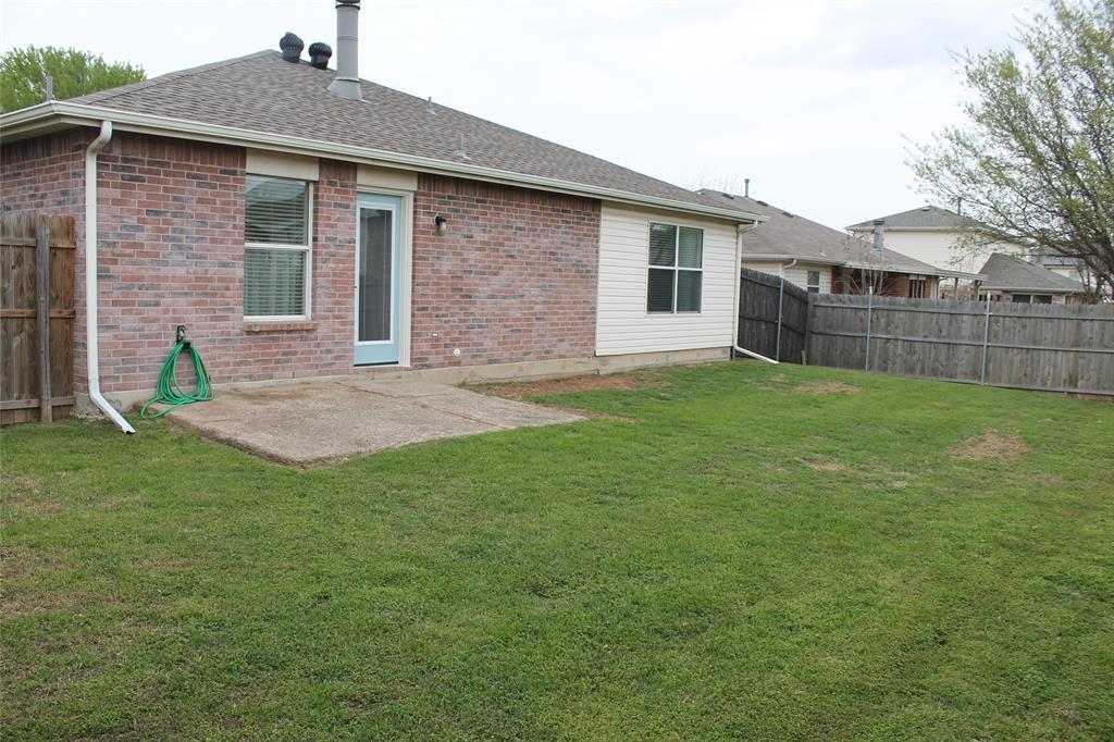 641 Mallard Drive, Saginaw, Texas 76131 - acquisto real estate best frisco real estate agent amy gasperini panther creek realtor