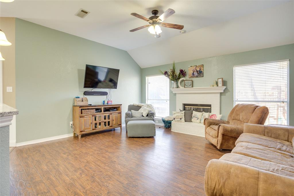 1341 Spinnaker Lane, Azle, Texas 76020 - acquisto real estate best real estate company to work for