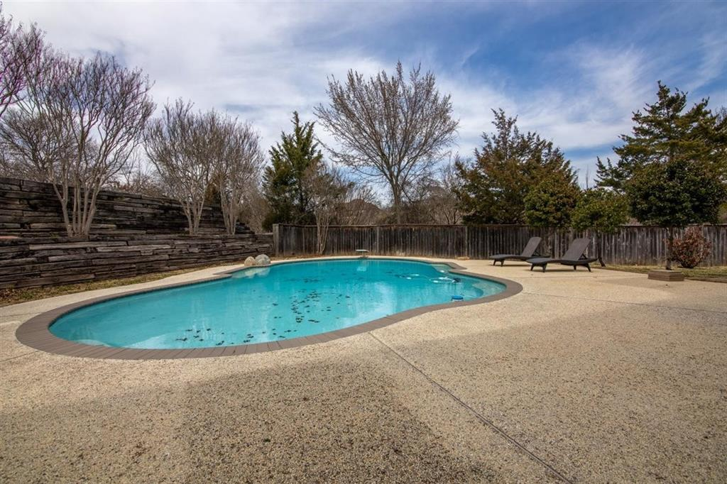 206 Rustic Harbour Court, Weatherford, Texas 76087 - acquisto real estate best plano real estate agent mike shepherd