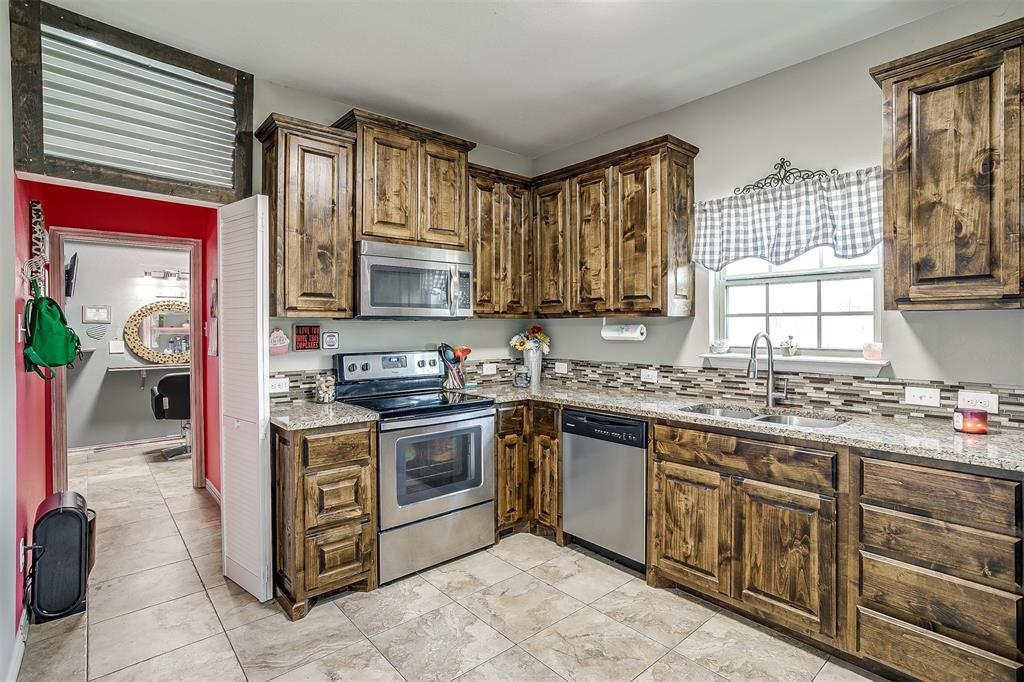 500 Links Drive, Godley, Texas 76044 - acquisto real estate best luxury buyers agent in texas shana acquisto inheritance realtor