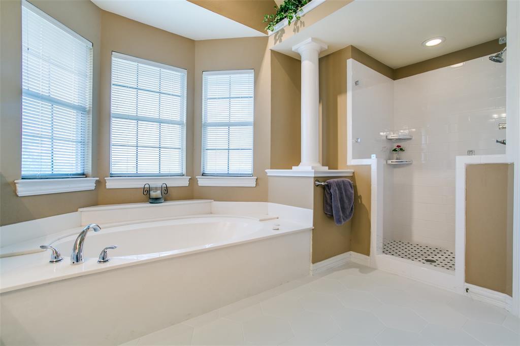 700 Cedar Elm Court, Irving, Texas 75063 - acquisto real estate best realtor dallas texas linda miller agent for cultural buyers