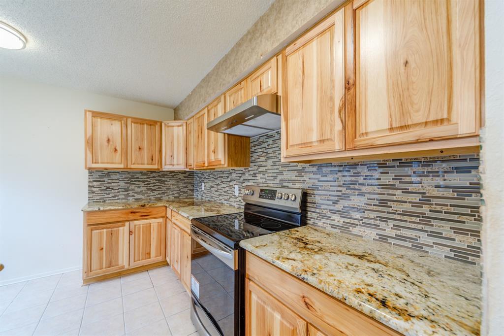 1212 Elm  Court, Runaway Bay, Texas 76426 - acquisto real estate best allen realtor kim miller hunters creek expert