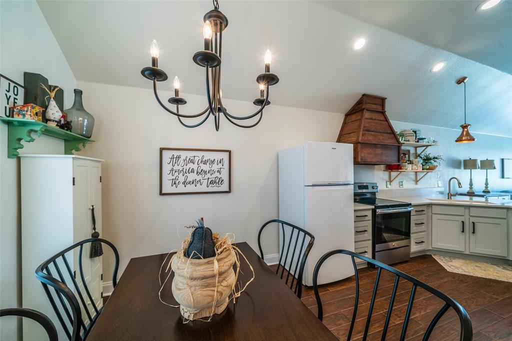 1643 Hillside  Drive, Waxahachie, Texas 75165 - acquisto real estate best celina realtor logan lawrence best dressed realtor