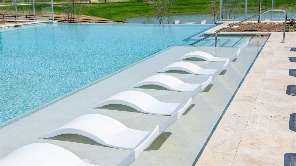 901 Bridle Path Parkway, Aubrey, Texas 76227 - acquisto real estate best new home sales realtor linda miller executor real estate