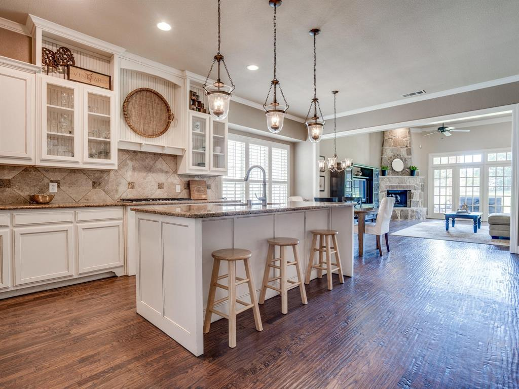 9105 Cypress Creek Road, Lantana, Texas 76226 - acquisto real estate best highland park realtor amy gasperini fast real estate service