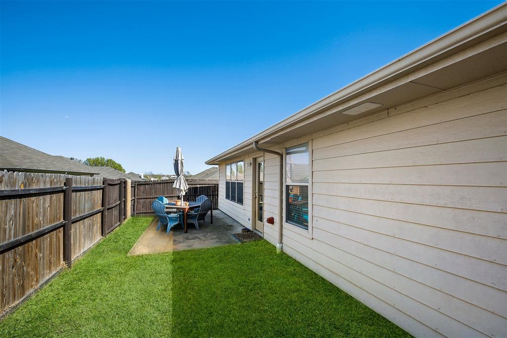 3721 Verde Drive, Fort Worth, Texas 76244 - acquisto real estate best realtor foreclosure real estate mike shepeherd walnut grove realtor