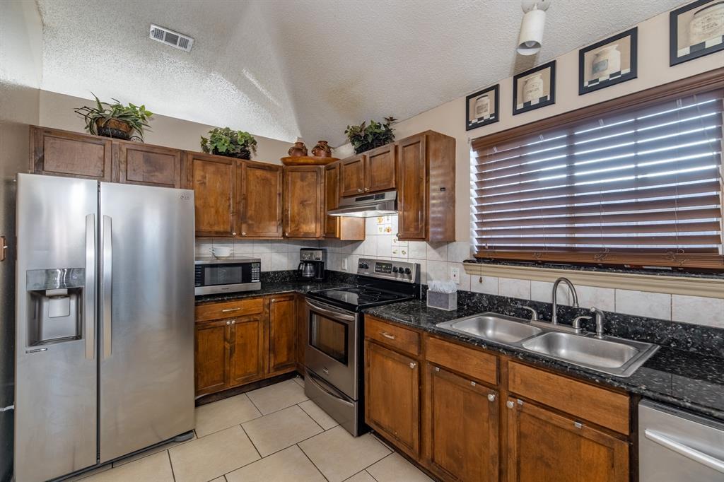 3314 Wilmington  Drive, Grand Prairie, Texas 75052 - acquisto real estate best designer and realtor hannah ewing kind realtor