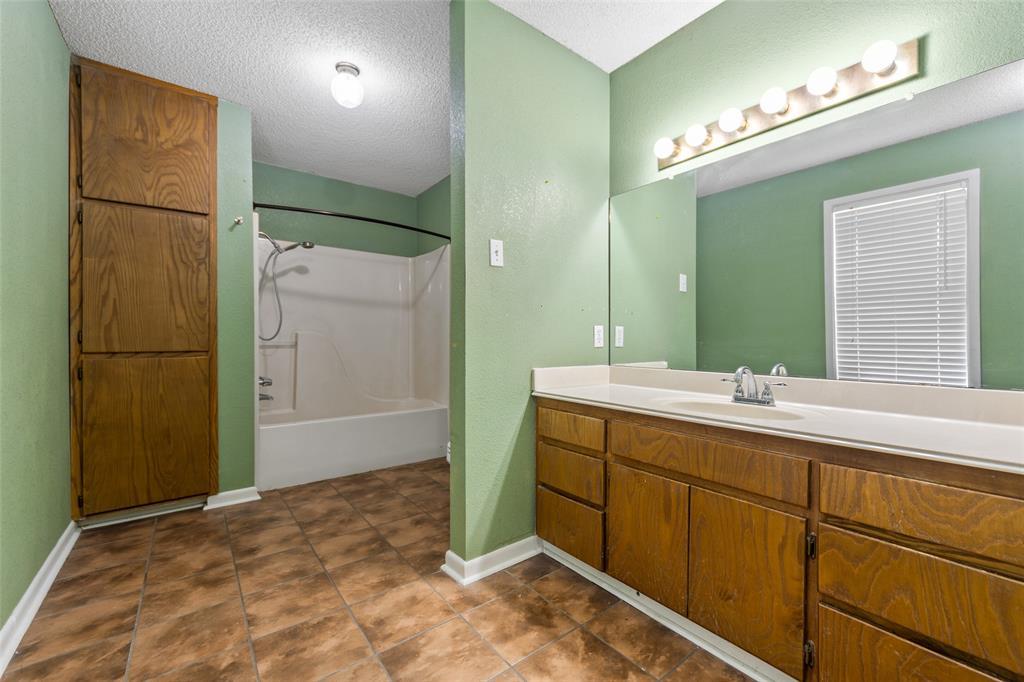 156 Cross Creek Lane, Denison, Texas 75021 - acquisto real estate best new home sales realtor linda miller executor real estate