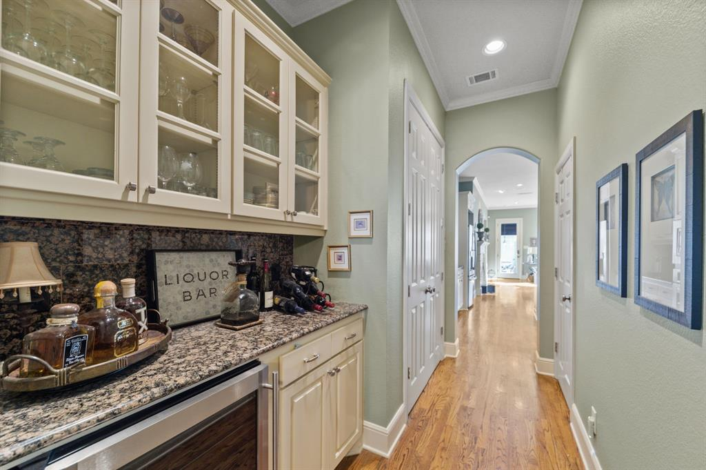 1215 Belle Place, Fort Worth, Texas 76107 - acquisto real estate best new home sales realtor linda miller executor real estate