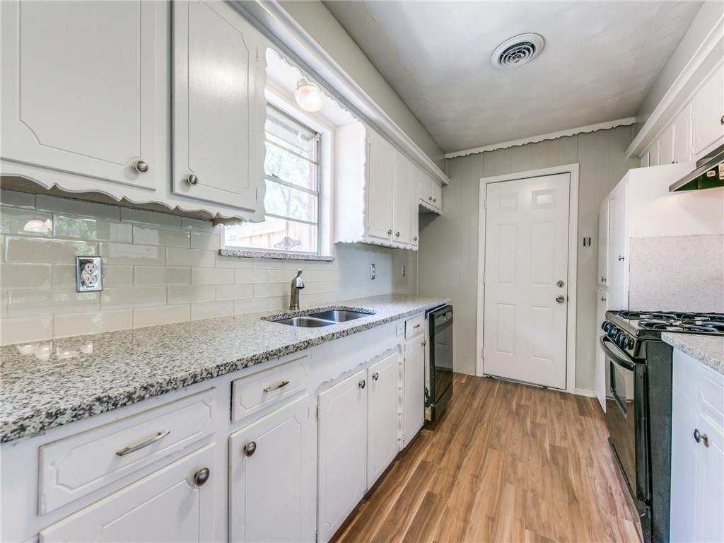 3044 Cliff Creek  Drive, Dallas, Texas 75233 - acquisto real estate best luxury buyers agent in texas shana acquisto inheritance realtor