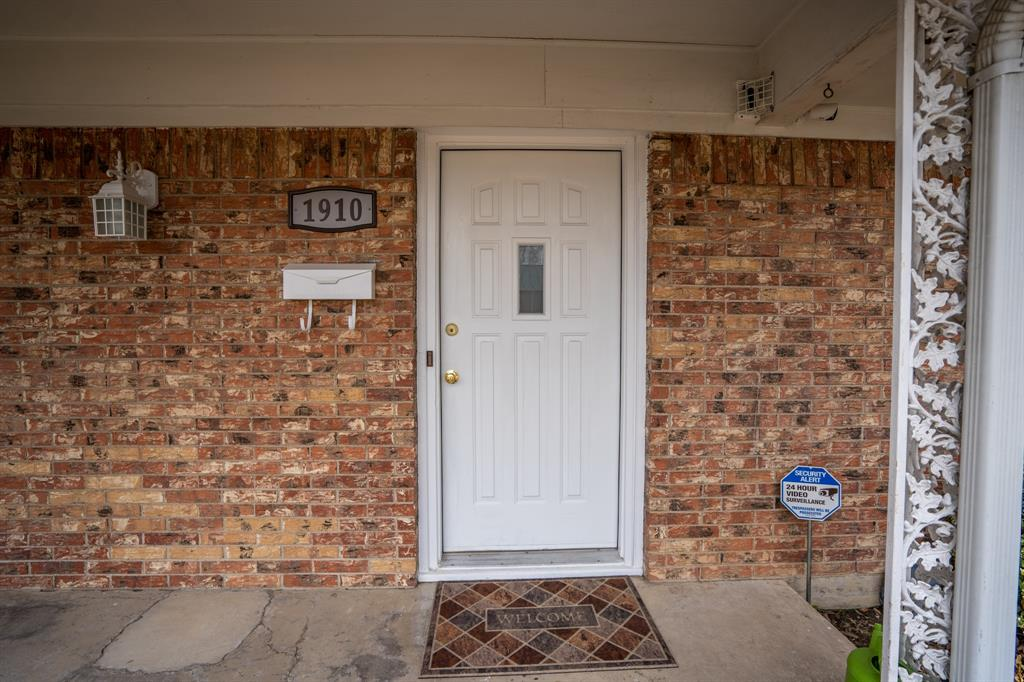 1910 Jefferson Street, Commerce, Texas 75428 - acquisto real estate best prosper realtor susan cancemi windfarms realtor