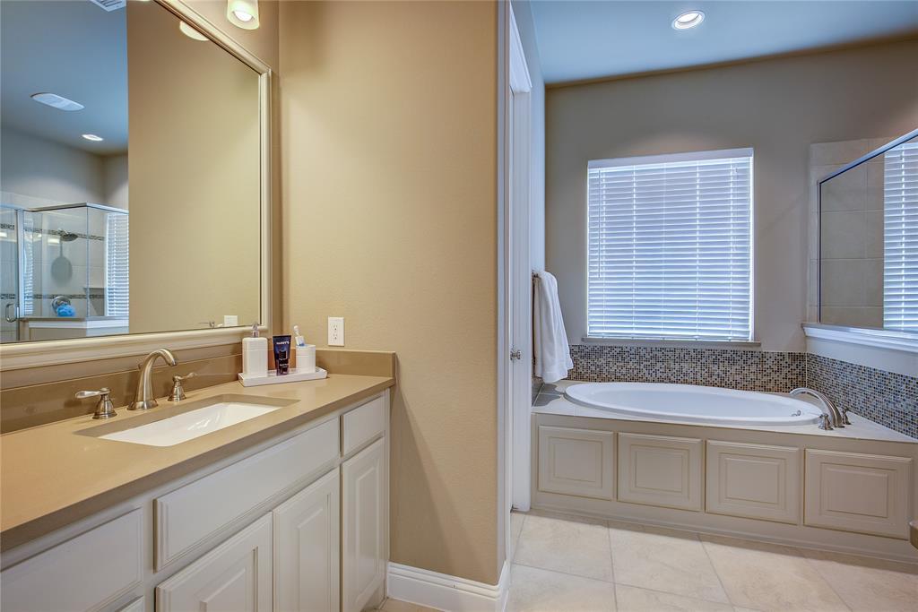 4194 Ravenbank Drive, Rockwall, Texas 75087 - acquisto real estate best realtor dfw jody daley liberty high school realtor
