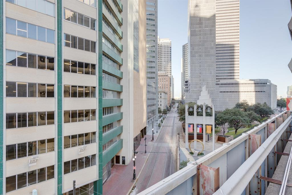 1505 Elm  Street, Dallas, Texas 75201 - acquisto real estate best designer and realtor hannah ewing kind realtor