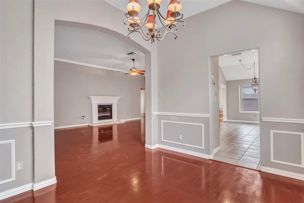 1811 Swaim Court, Arlington, Texas 76001 - acquisto real estate best photos for luxury listings amy gasperini quick sale real estate