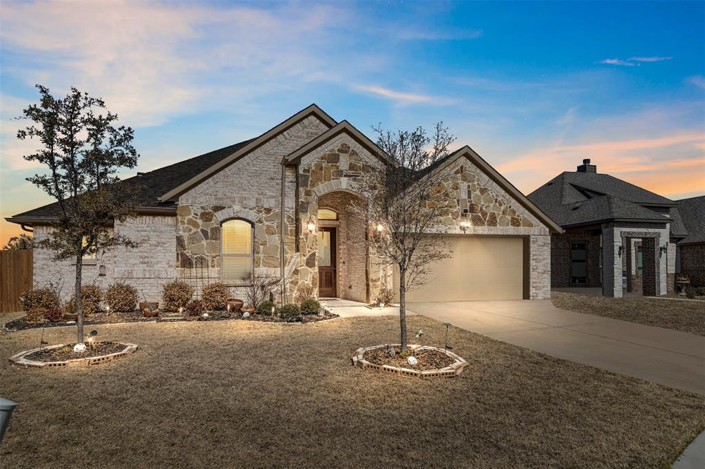 409 Foxtail Court, Waxahachie, Texas 75165 - Acquisto Real Estate best plano realtor mike Shepherd home owners association expert