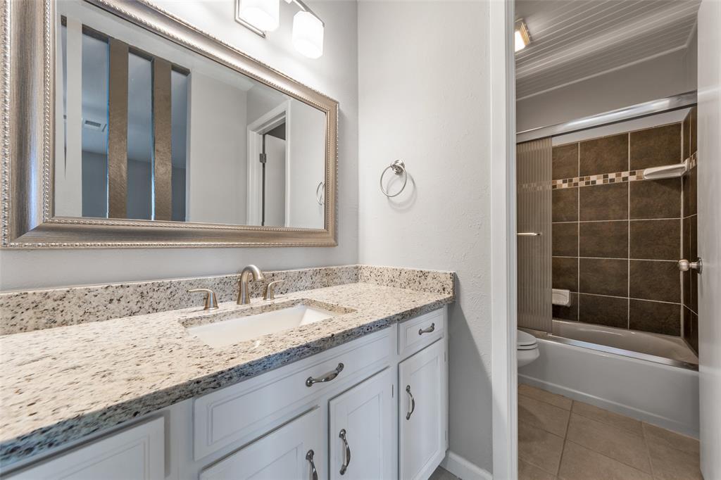 2412 Via Bonita  Carrollton, Texas 75006 - acquisto real estate best realtor dallas texas linda miller agent for cultural buyers