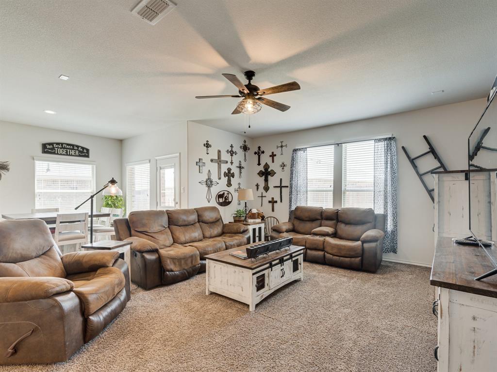 1725 Cross Creek Lane, Cleburne, Texas 76033 - acquisto real estate best new home sales realtor linda miller executor real estate