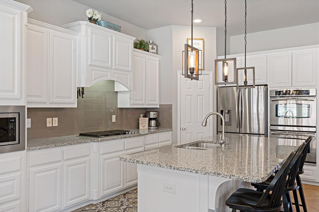 1001 Cove Meadow Court, McKinney, Texas 75071 - acquisto real estate best highland park realtor amy gasperini fast real estate service
