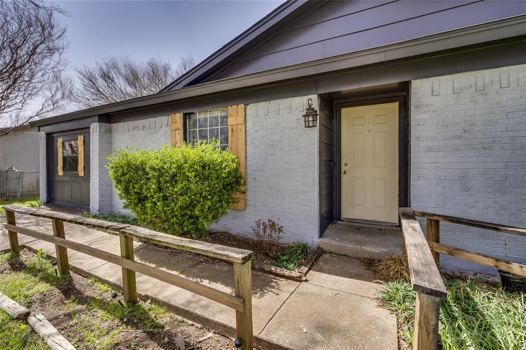 2213 Biscayne Drive, Irving, Texas 75060 - acquisto real estate best celina realtor logan lawrence best dressed realtor