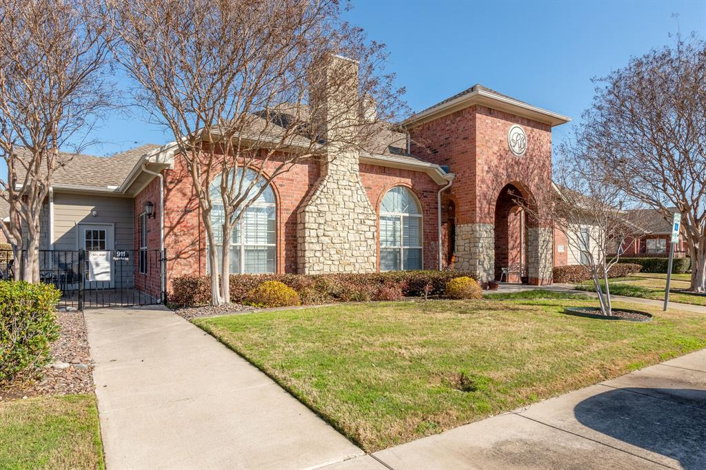 3320 Rosemeade Drive, Fort Worth, Texas 76116 - acquisto real estate best plano real estate agent mike shepherd